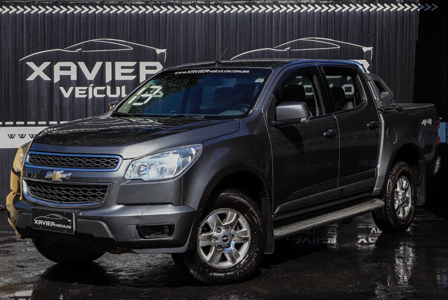 Chevrolet S10 Cabine Dupla – 2013 – Cinza