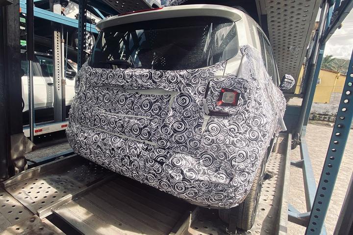 Protótipo flagrado em caminhão-cegonha mostra que SUV mais vendido do Brasil passará por segunda reestilização para receber o tão aguardado motor turboflex