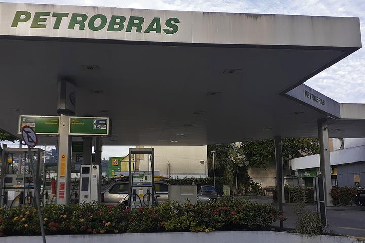 Em tempos de preços de gasolina, etanol e diesel nas alturas, estas medidas simples te ajudarão a visitar o posto com menos frequência