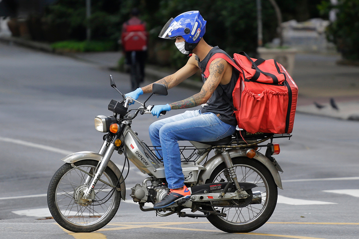 Acidentes com motocicletas já acumulam 40% dos óbitos e mais da metade das vítimas com ferimentos na cidade de São Paulo. Em 2020, pela primeira vez, número de motociclistas mortos superou o de pedestres