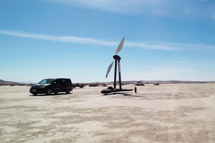 Invenção feita por cientista youtuber espanta teóricos ao conseguir andar mais rápido que o próprio vento, e pode romper só paradigmas