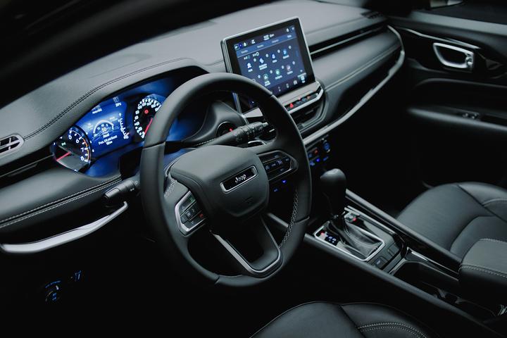 Série especial de lançamento do SUV renovado custará R$ 162.990. Chegada às lojas das versões flex será em maio, mas opções a diesel ficam para junho