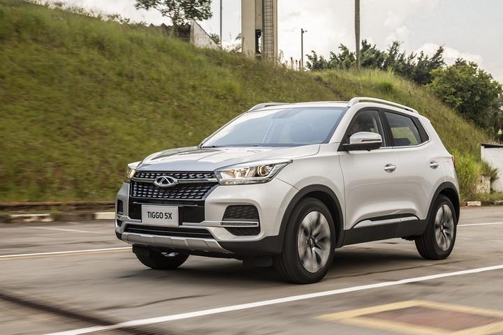 Em território predominado por SUVs e picapes, VW mostra força com seis modelos, mas quem aparece na liderança é um hatch compacto com apelo mais popular