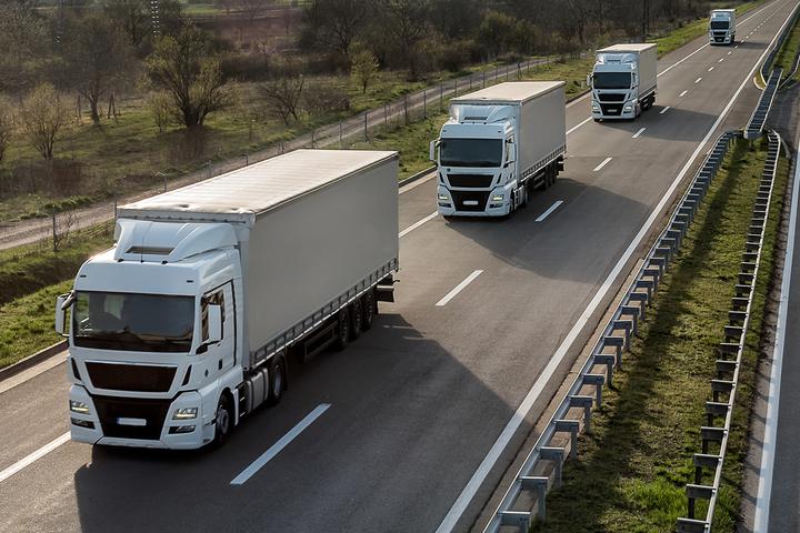 """Enquanto categoria se engaja em """"cruzada"""" política no Brasil, setor do transporte de carga dá os primeiros passos para eliminar motoristas"""