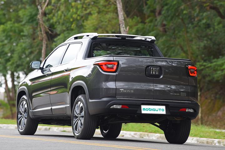 SUV e picape compartilham plataforma, mecânica e motor 1.3 turboflex de 185 cv, mas qual vai melhor na faixa de preços entre R$ 150.000 e R$ 200.000?